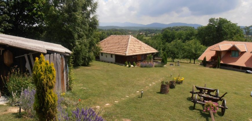 Kuća Tri hrasta selo Klatičevo
